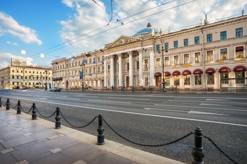 De bouw van de vroegere Nederlandse kerk op Nevsky Prospekt, 20 stock foto