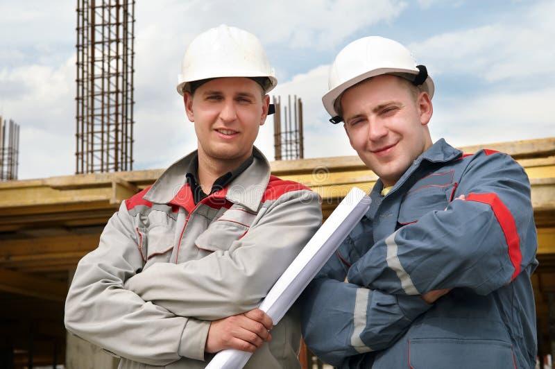 De bouwers van ingenieurs bij bouw royalty-vrije stock foto's