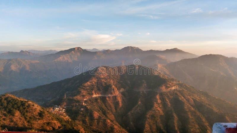 De Bovenkant van de bergenheuvel royalty-vrije stock foto's