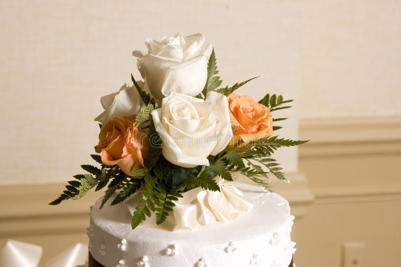De Bovenkant van de Cake van het huwelijk stock fotografie