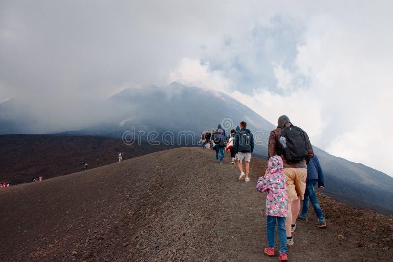 De bovenkant van de vulkaan Etna Sicilië, Italië stock foto's