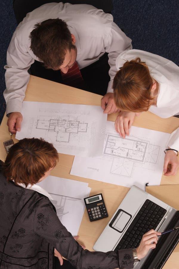 De brainstorming van architecten stock afbeelding