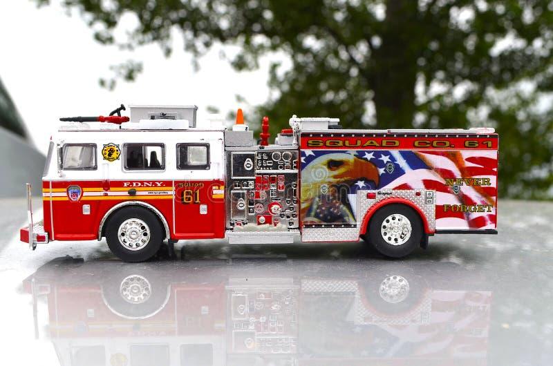 De Brand en de Redding van New York met van de de Vrachtwagenafdeling van Watercanon het Rode Stuk speelgoed met details verschil stock foto
