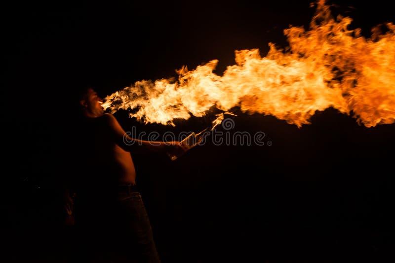 De brand toont met toortsen royalty-vrije stock afbeelding