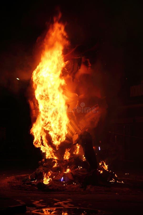 De brand van Fallas fest het branden cijfers in Valencia Spanje royalty-vrije stock afbeelding