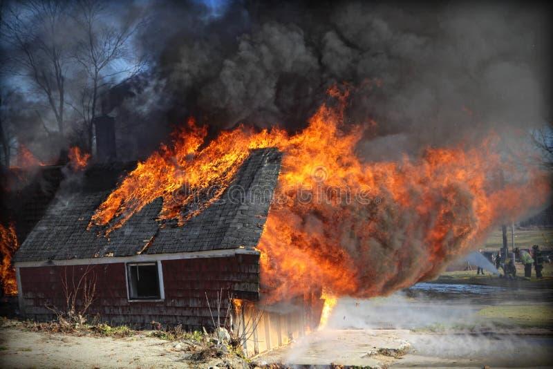 De Brand van het huis stock afbeeldingen