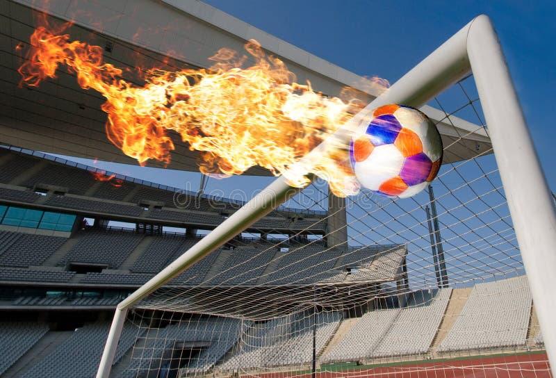 De brandende Rubriek van de Bal van het Voetbal het Doel stock foto's