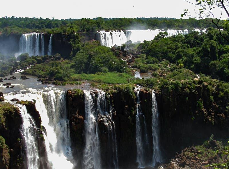 De Braziliaanse Kant van Iguazu valt, in Foz doe Iguacu, Brazilië stock fotografie