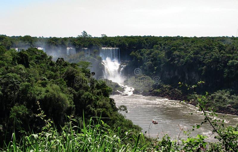 De Braziliaanse Kant van Iguazu valt, in Foz doe Iguacu, Brazilië royalty-vrije stock afbeelding