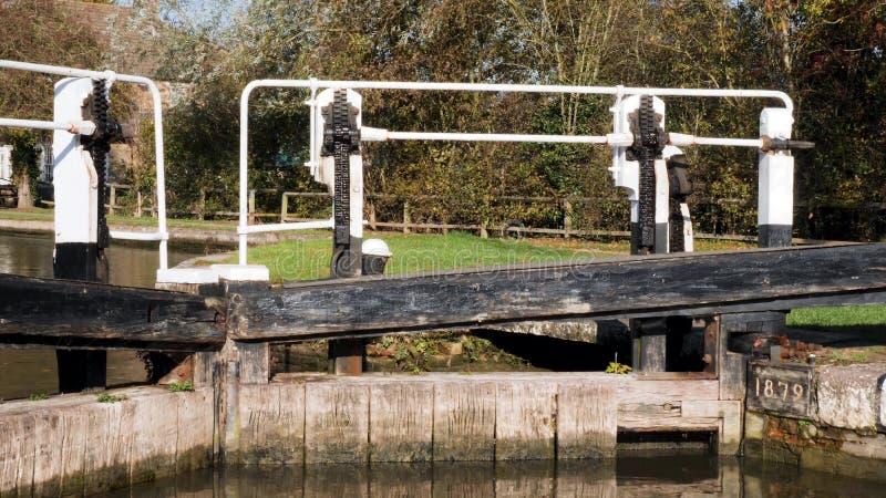 De brede mening van de hoekdag van bootkanaal stookt bruerne binnen Engeland het UK op royalty-vrije stock fotografie