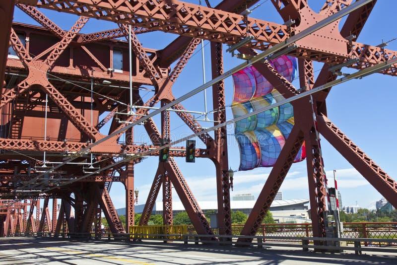 De Broadway-bruginfrastructuur Portland OF. stock afbeeldingen