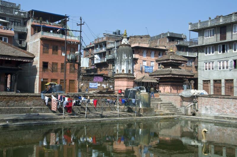 De bron van water in de stad royalty-vrije stock afbeeldingen