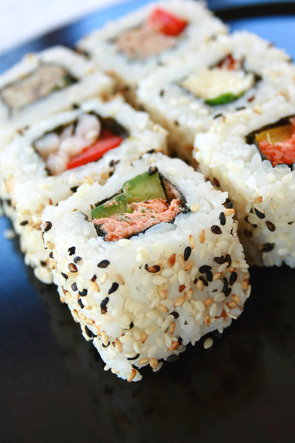 De Broodjes van Californië van sushi stock foto