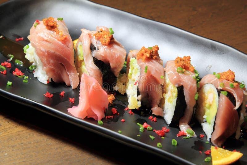 De Broodjes van de Sushi van de zalm royalty-vrije stock foto's