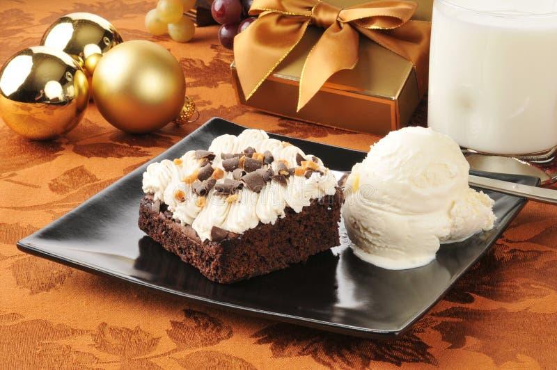 De brownie en het roomijs van Kerstmis royalty-vrije stock fotografie