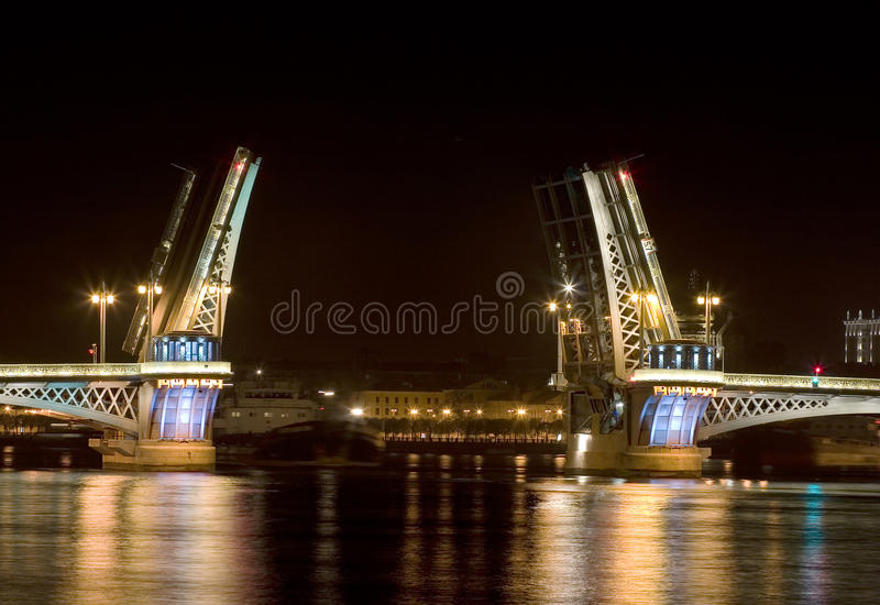 De brug Blagoveshchensky (van de Aankondiging) royalty-vrije stock fotografie