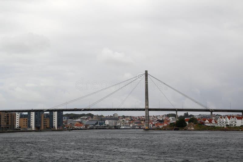 De brug in de vergaderingsveerboot van Stavanger van Tau, Noorwegen stock afbeelding