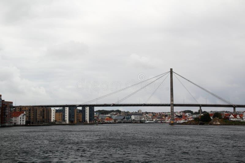 De brug in de vergaderingsveerboot van Stavanger van Tau, Noorwegen stock fotografie