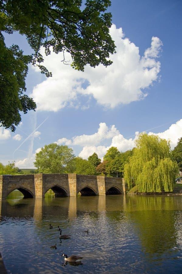 De brug en het landschap royalty-vrije stock afbeeldingen
