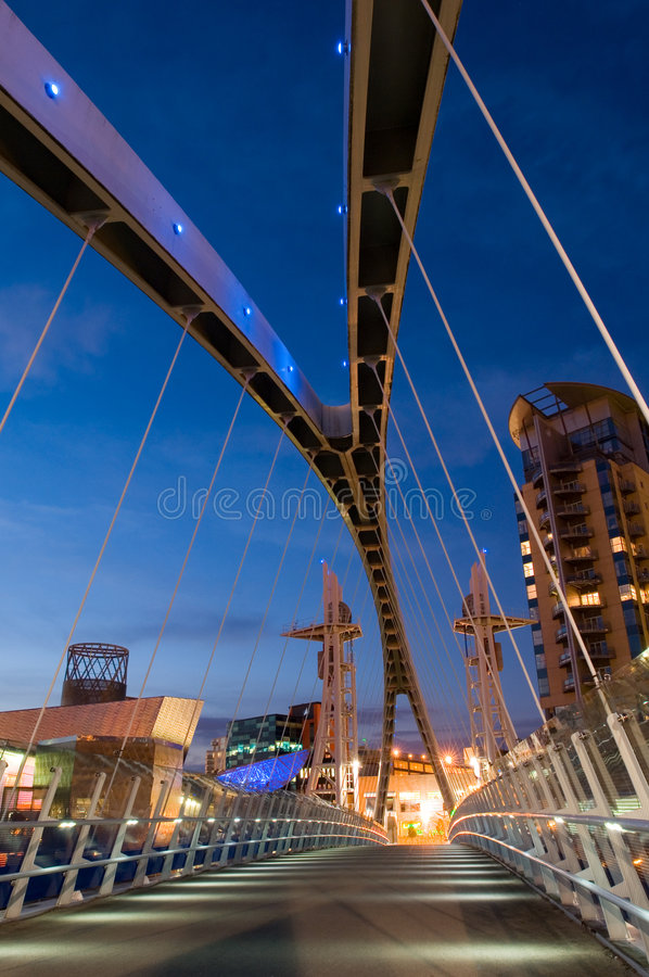 De brug Manchester van het millennium stock fotografie
