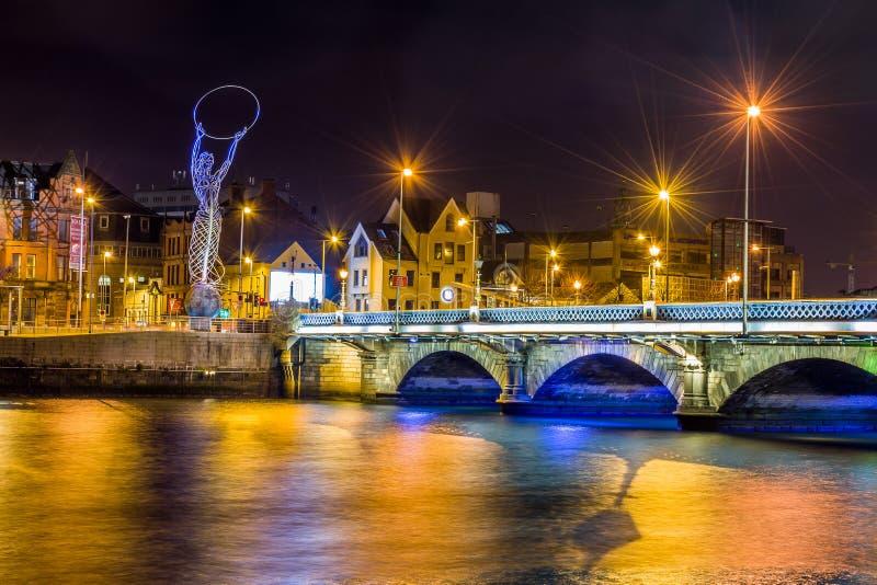 De brug van Belfast stock afbeeldingen