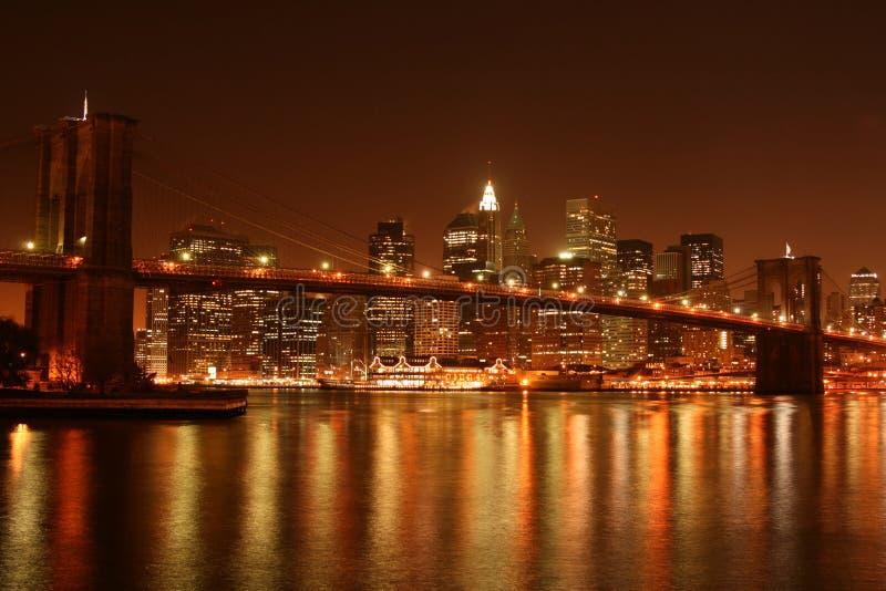 De Brug van Brooklyn bij Nacht royalty-vrije stock foto's