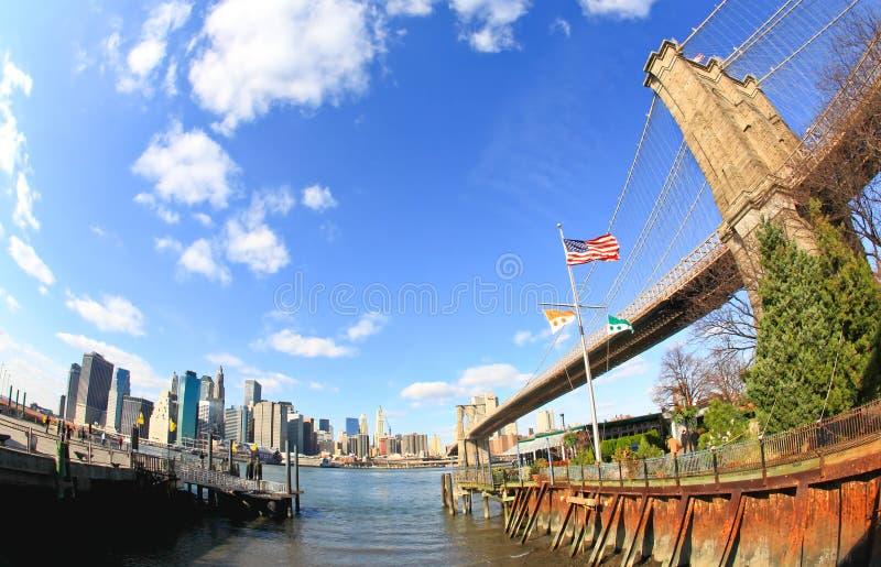 De brug van Brooklyn in de Stad van New York stock afbeeldingen