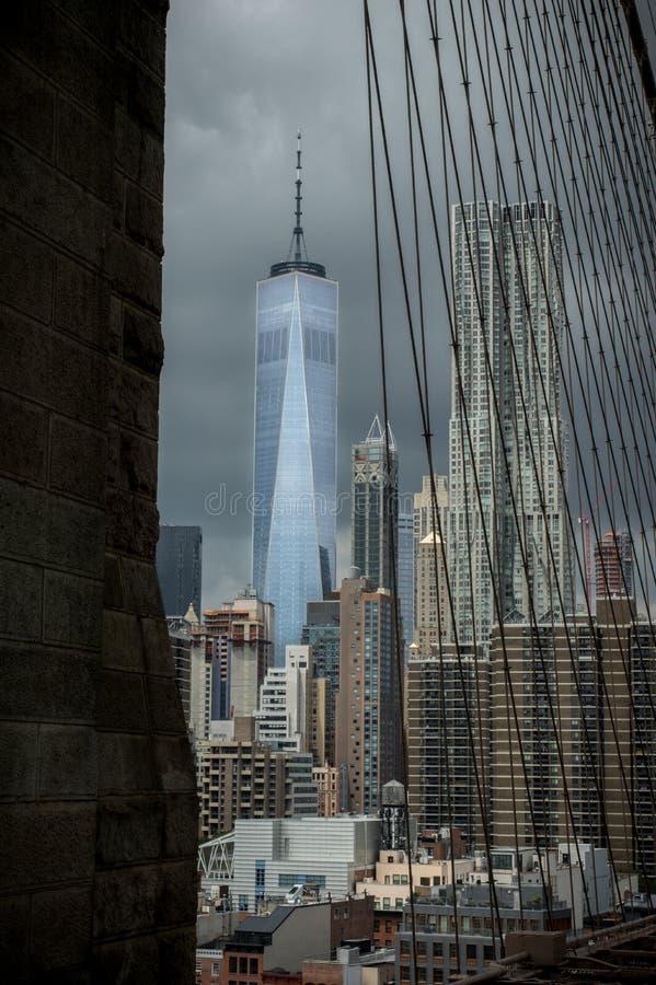 De Brug van Brooklyn en Freedom Tower royalty-vrije stock afbeeldingen