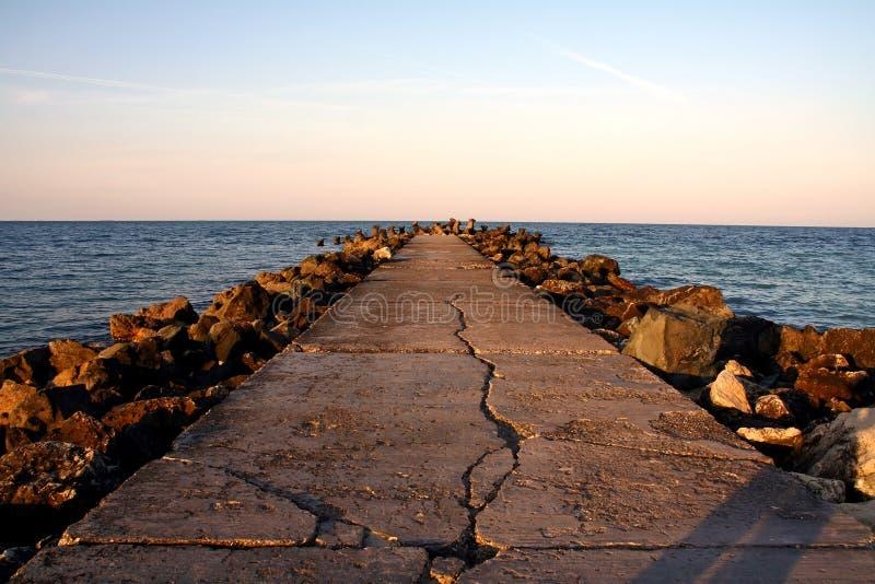 De brug van de rots stock afbeelding
