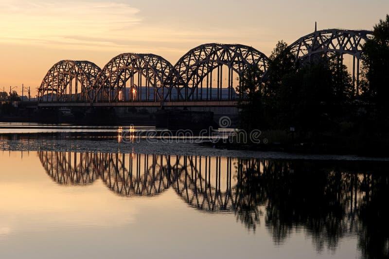 De brug van de spoorweg royalty-vrije stock afbeeldingen