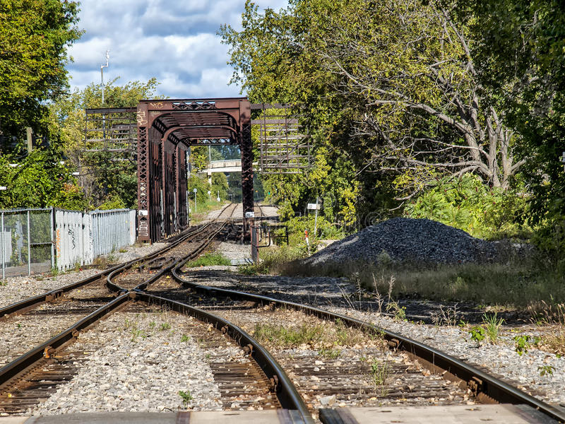 De brug van de staaltrein royalty-vrije stock afbeeldingen