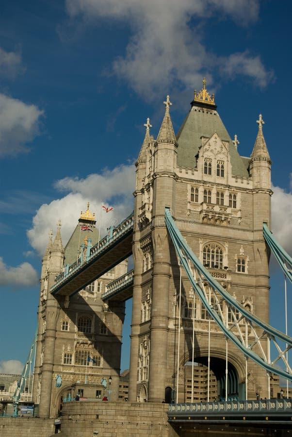 De brug van de toren royalty-vrije stock afbeeldingen