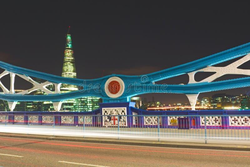 De Brug van de toren bij nacht: details van frame, Londen stock fotografie