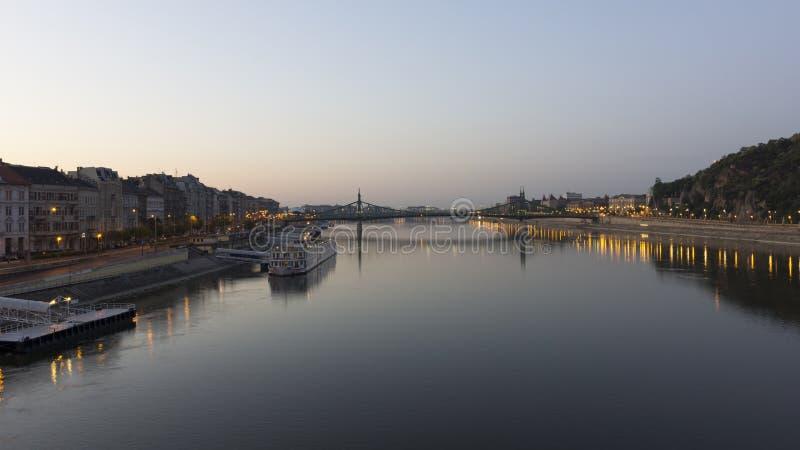 De brug van de vrijheid, Boedapest stock foto's