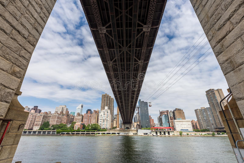 De brug van ED Koch Queensboro en roosevelt Tram, de Stad van New York stock afbeeldingen