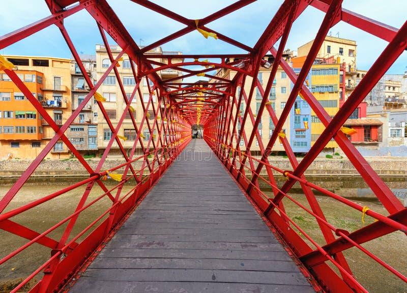 De Brug van Eiffel over de Onyar-rivier, Girona, Catalonië, Spanje stock fotografie