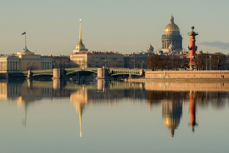 De brug van het paleis royalty-vrije stock afbeeldingen