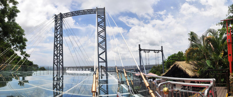 De brug van het panoramaglas in Yanoda stock fotografie