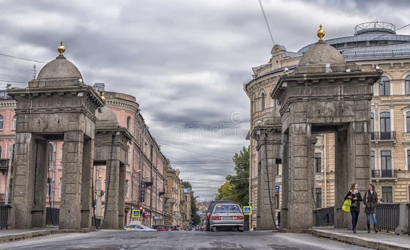 De Brug van Lomonosov royalty-vrije stock fotografie