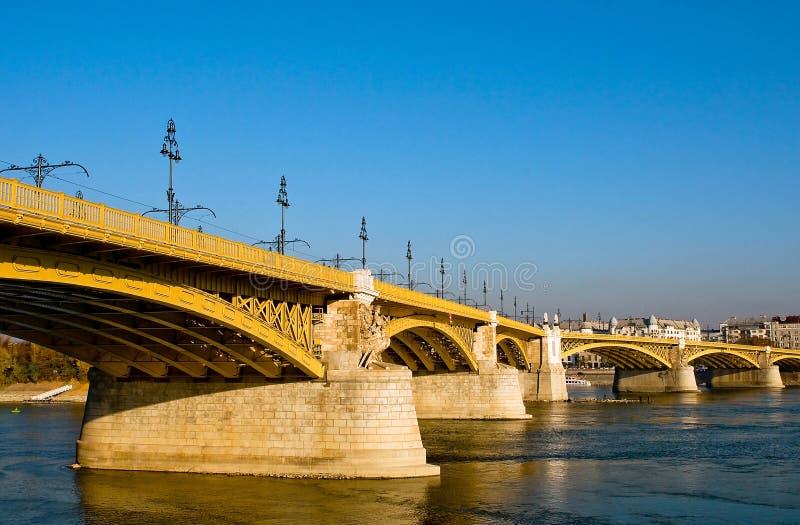 De brug van Margaret in Boedapest stock afbeeldingen
