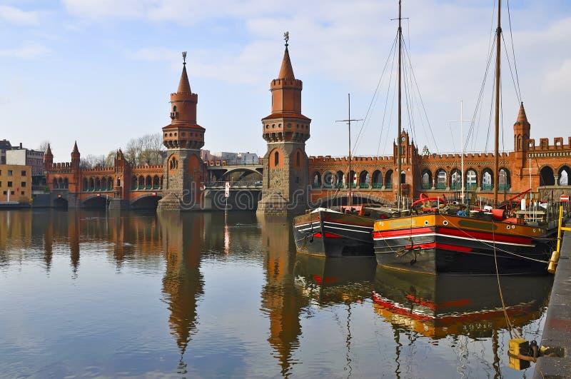 De brug van Oberbaum in Berlijn stock foto