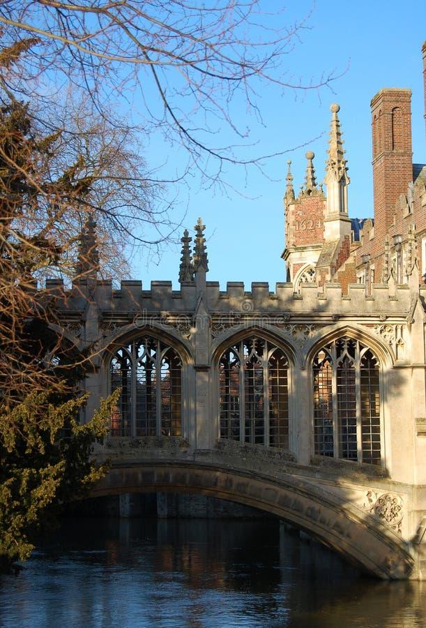 De Brug van Sighs, St John ` s universiteit, Cambridge, het UK stock foto