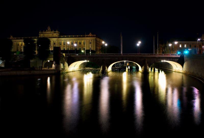 De brug van Stockholm met bogen royalty-vrije stock foto's