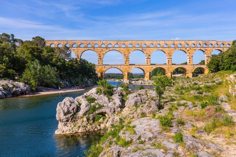 De brug werd gebouwd in Roman tijden stock foto's