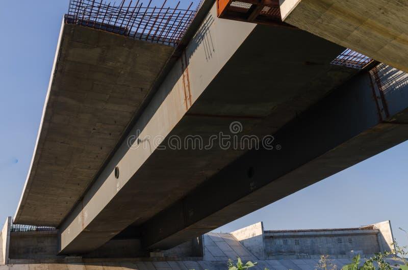 De brugbouw royalty-vrije stock fotografie