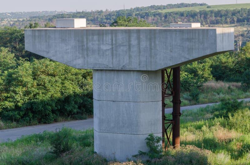 De brugbouw stock foto