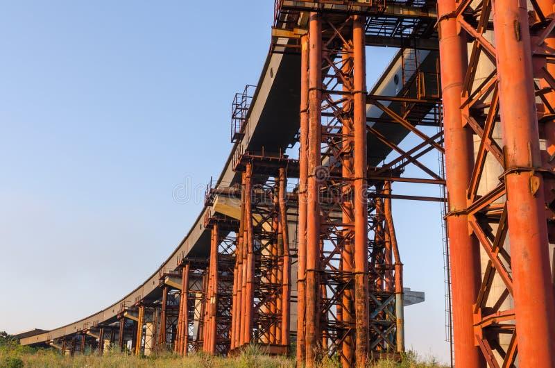 De brugbouw stock fotografie