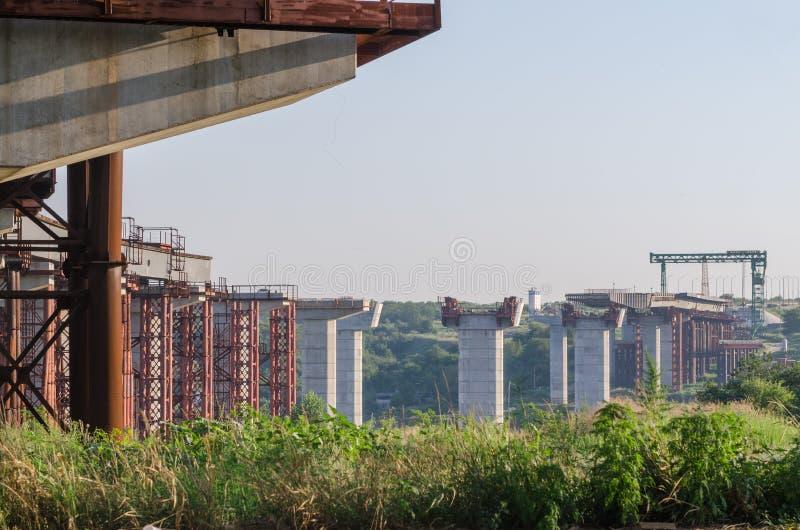 De brugbouw royalty-vrije stock foto's