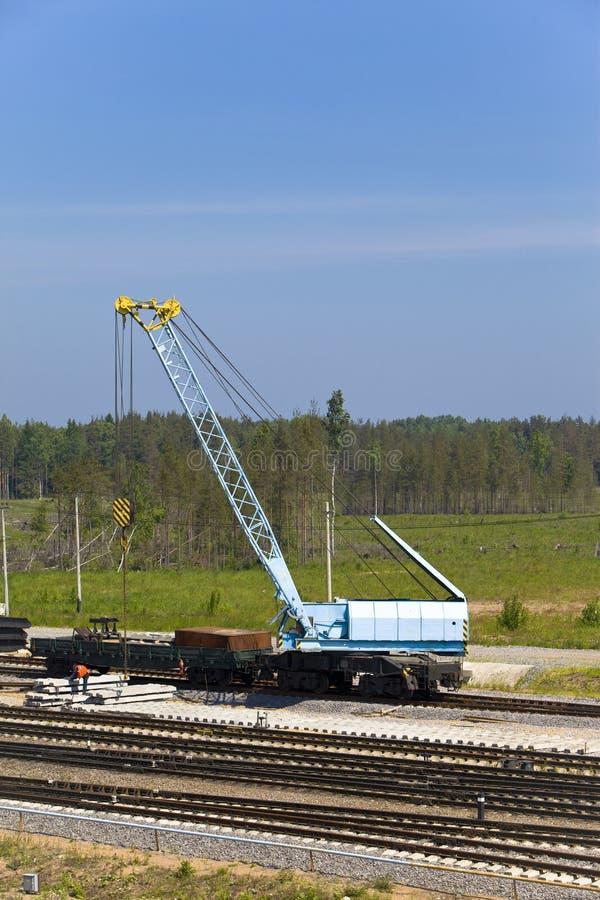 De brugkraan van het spoor stock afbeeldingen