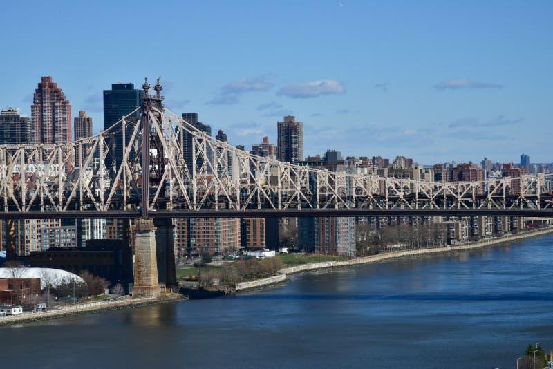 De Brugmening van ED Koch Queensboro van Long Island-Stad aan Rooseveld-Eiland stock afbeelding